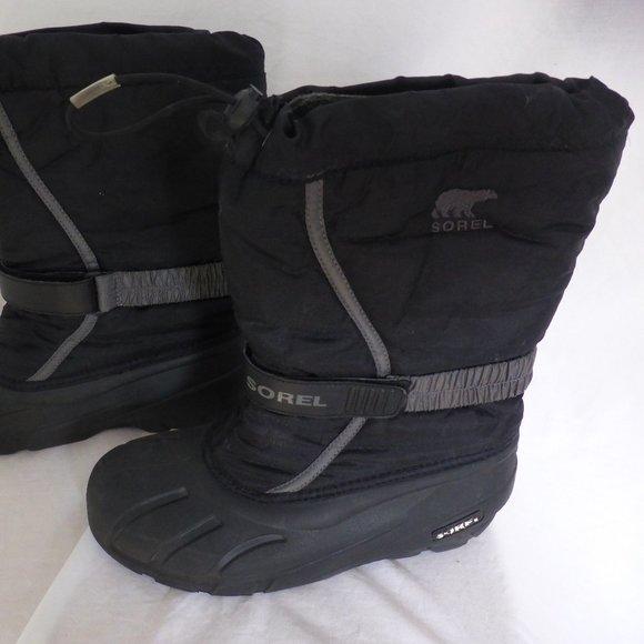 SOREL winter boots, boys size 7, black grey GUC